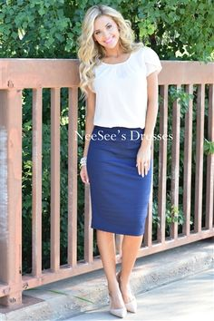 Perfect fit skirt, so easy to accessorize and style different ways!