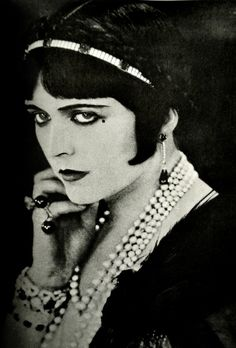 Pola Negri she was dating Rudolph Valentino when he died.