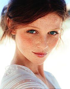 Cintia Dicker #Cintia_Dicker #Woman #Beauty..freckled