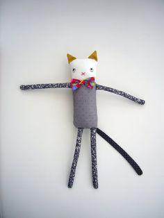 des fils et des gommettes---: petit animal en tissu