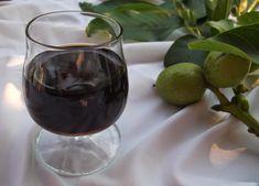 Reformnasik: Dió pálinka készítése (Zöld dió pálinka) Wine Decanter, Stevia, Red Wine, Wine Glass, Alcoholic Drinks, Recipies, Canning, Tableware, Shop