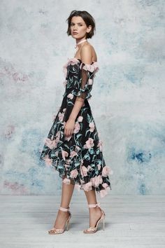 63080bb2aaf45b Marchesa Notte Resort 2019 Fashion Show Collection  See the complete  Marchesa Notte Resort 2019 collection