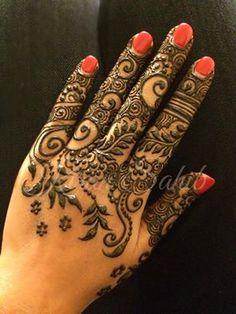 Finger mehndi is lovee Mehndi Tattoo, Henna Tattoo Designs, Mehndi Art, Diy Tattoo, Henna Mehndi, Mehendi, Henna Tattoos, Arabic Henna, Bridal Mehndi Designs