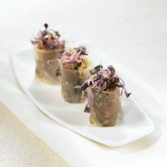 Duck and peanut cannelloni – Delicooks Gourmet Appetizers, Mini Appetizers, Gourmet Recipes, Proper Tasty, Carnival Food, Good Food, Yummy Food, Food Decoration, Aesthetic Food