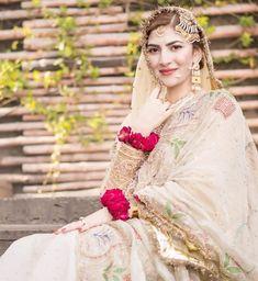 Bridal Poses, Bridal Shoot, Bridal Gallery, Bridal Makeup Looks, Pakistani Wedding Dresses, Groom Outfit, Designer Dresses, Photography Poses, Wedding Photography