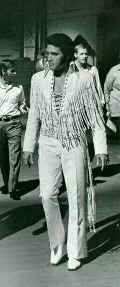 Elvis In Concert, Elvis Presley, Old Hollywood, Good People, Beautiful Men, Pants, Jumpsuits, Vegas, Legends