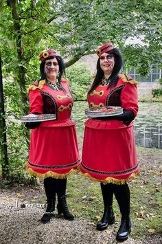 elf fantasy fair arcen 2015 , our new zombie usherette costume , we had a lampshade skirt with real lights in it and lights on our tray , on our tray we have special bug snacks for the people who dare to taste  them .