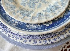mismatched blue and white plates. I love blue and white dishes. And i need new dishes.I should start collecting plates Blue Dishes, White Dishes, White Plates, Blue Plates, Blue And White China, Blue China, China China, White White, Color Celeste