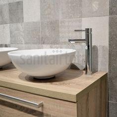 Badkamer ideeën, badkamer inspiratie, badmeubel met waskommen, houten badkamermeubel, portugese tegels
