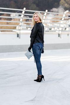 Wenn man sonst nicht zu tun hat, treibt man sich einfach bei eiseskälte in rutschigen Schuhen auf einem Parkdeck rum ;-) Mehr dazu im Blog