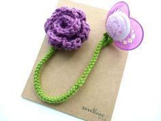 crochet flower pacifier clip / crochet ideas and tips - Juxtapost