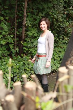 Love this skirt! And that fabric #sewing, #skirts #fabric