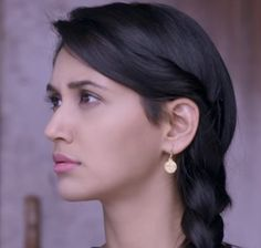 Nikita Dutta, India Beauty, Indian Girls, Divas, Cool Hairstyles, Actresses, Nice, Simple, Hair Styles
