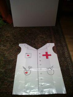Disfraz enfermero reciclado