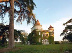Einmal im Leben wie ein König oder eine Königin leben – dieser Traum wird im Schloss Le Château Marteret Wirklichkeit.