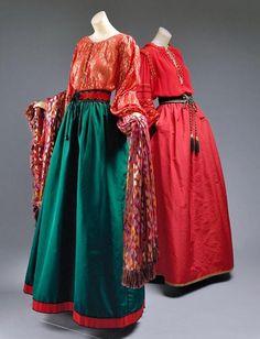 ysl-eveing-ensemble-fall-wint-1976-77-silk-glass-metallic-thread-mylar2