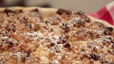 Perfekt abgerundet wird Enies Apfel-Crumble mit einem Hauch Vanille, etwas Apfelkorn und Mandel-Krokant! Der mit leicht säuerliche Äpfeln gefüllte Kuchen überzeugt jeden Genießer durch seinen Streuseln!