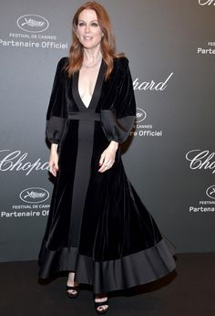"""Julianne Moore Photos - Julianne Moore attends the Chopard """"SPACE Party"""", hosted by Chopard's co-president Caroline Scheufele and Rihanna, at Port Canto on May in Cannes, France. - Chopard Space Party - Photocall - The Cannes Film Festival Abaya Fashion, Muslim Fashion, Fashion Dresses, Abaya Mode, Mode Hijab, Abaya Designs, Velvet Fashion, Red Carpet Fashion, Hijab Stile"""