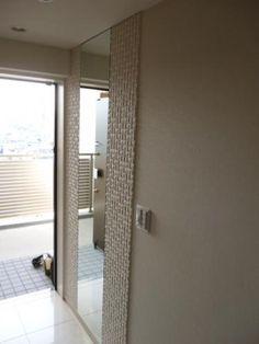大阪府エコカラット施工例:プレシャスモザイク ヴィーレWE1(ホワイト)×姿見