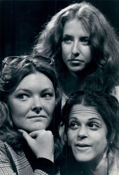 Original ladies of SNL: Jane Curtin, Laraine Newman, and Gilda Radner It's All Happening, You Make Me Laugh, Old Tv Shows, Saturday Night Live, Snl, Famous Faces, Funny People, The Funny
