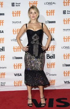 Jennifer Lawrence Photos Photos - Actress Jennifer Lawrence attends the Premiere of 'Mother!' during the 2017 Toronto International Film Festival September 10, 2017, in Toronto, Ontario. / AFP PHOTO / VALERIE MACON - 2017 Toronto International Film Festival - Day 4