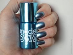 Review of Models Own Colour Chrome Collection nail polish (Chrome Blue)