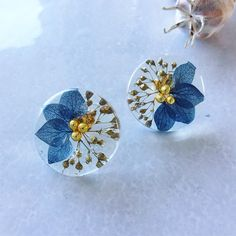 DIY and crafts Blue Gold Winter Earrings & Earrings How to Plan the Perfect Spring Break Family Vaca Epoxy Resin Art, Diy Resin Art, Diy Resin Crafts, Jewelry Crafts, Jewelry Art, Do It Yourself Inspiration, Making Resin Jewellery, Crystal Resin, Resin Flowers