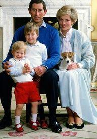 [ THE ROYAL FAMILY WITH WEE TIGGA ]  #jackrussell #Royalfamily #Royalfamilydogs