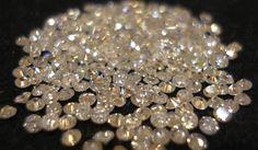 Diamantes avaliados em mais 100 milhões de dólares roubados em cofre no Saurimo http://angorussia.com/economia/1000-quilates-diamantes-roubados-saurimo/