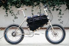 Isao's Falconer Mini Velo Got the Baja Bug Treatment – Kyle Kelley – John Watson Baja Bug, Velo Cargo, Bicycle Painting, Touring Bike, Touring Bicycles, Commuter Bike, Bike Shoes, Bike Frame, Mini Bike