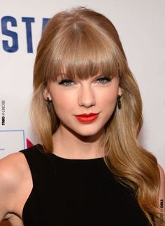 Hollywood's Most Requested Hair Colors Hollywood's Most Requested Celebrity Hair Colors: Taylor Swift Taylor Swift Hot, Taylor Swift Hair Color, Style Taylor Swift, Taylor Swift Makeup, Taylor Swift Images, Swift 3, 2015 Hairstyles, Celebrity Hairstyles, Straight Hairstyles