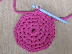Käsityön riemua: Virkatun korin ohje Korn, Pot Holders, Crochet Necklace, Knitting, Handmade, Diy, Crafts, Hand Made, Manualidades