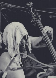 Charles Mingus Jazz Artists, Jazz Musicians, Music Icon, Art Music, Kinds Of Music, Music Is Life, Soul Music, Charles Mingus, Jazz Players