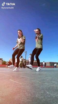 Hip Hop Dance Videos, Dance Workout Videos, Dance Moms Videos, Dance Music Videos, Dance Choreography Videos, Cool Dance Moves, Dance Tips, Dance Poses, Just Dance