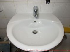 Silikonfuge am Waschbecken, Fenster oder Badewanne erneuern