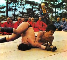 """""""Bruce Lee In Enter The Dragon Opening Fight Scene ! Bruce Lee Books, Bruce Lee Quotes, Bruce Lee Martial Arts, Kung Fu Martial Arts, Basement Movie Room, Sammo Hung, Actor Secundario, Enter The Dragon, Martial Artist"""
