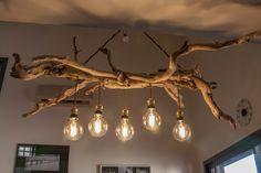 """Grand lustre en bois flotté avec ampoule style """"edison"""""""