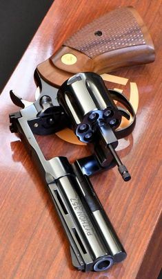 Smith And Wesson Revolvers, Smith N Wesson, Desert Eagle, Zombie Weapons, 357 Magnum, Guns And Ammo, Tactical Gear, Airsoft, Python