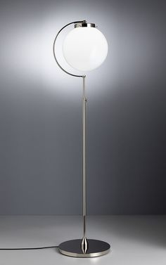 Design prof richard d cker 1923 26 adjustabel floor for Bauhaus iluminacion interior