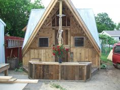 Skid Shack From Reclaimed Wood (Skid & Crates) Huts, Cabins & Playhouses