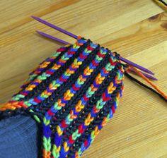 Ravelry: Uberib pattern by Destiny's Knits Knit Slippers Free Pattern, Crochet Socks, Knitted Slippers, Knit Crochet, Knitting Stitches, Knitting Socks, Hobbies And Crafts, Diy And Crafts, Knitting For Kids