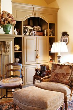 Traditional Living Room Fireplace Mantel Design, Pictures, Remodel, Decor and Ideas - page 97 English Country Decor, French Country Decorating, Country French, French Style, English Farmhouse, English Style, Farmhouse Style, Living Room Designs, Living Room Decor