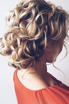 Wedding Updos For Short Hair ❤ See more: http://www.weddingforward.com/wedding-updos-for-short-hair/ #weddings