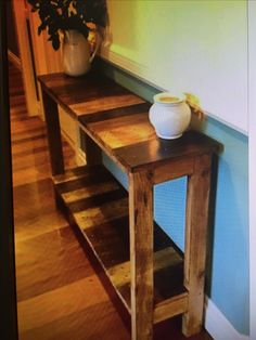 Pallet furniture hall table