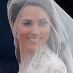 Google Image Result for http://www.trendfashions.net/wp-content/uploads/2012/01/Kate-Middleton-bridal-hair-and-make-up-natural.jpg
