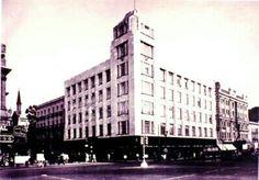 """El 30 de abril de 1906, se funda la compañia de seguros con el nombre de: """"La Latinoamericana, Mutualista, S.C."""" en 1910 se convirtio en sociedad anonima, con el nombre de """"La Latinoamericana, Seguros de Vida, S.A. En septiembre de 1930, adquirio la compañia, el edificio de Madero y San Juan de Letran y en 1931 ocupo el 3er piso para sus oficinas. En 1937, se termino la reconstruccion del mismo y ocupo gran parte de este edificio. La Latinoamericana en 1946, obtuvo el permiso de la…"""