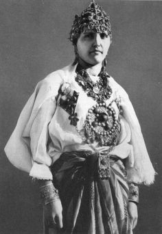 "Africa | Kabyle woman adorned with jewels. ca. 1930s/40s | From a series of images uploaded by the 'Tiwizi Association Berbero Suisse' that have been scanned from either J.Robichez (1946), ""Central Morocco,"" Editions B. Arthaud, Grenoble-Paris OR from the publication G. Camp (2002), ""The Berbers. Memory and Identity,"" Wandering Editions, Paris"