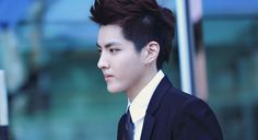 Kris (Wu Yifan) returns to social media platform Instagram after hackers deleted his account earlier today.