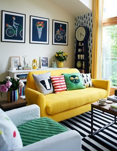nice 30 Bright And Colorful Family Friendly Living Room Design Ideas https://homedecort.com/2017/04/bright-colorful-living-room-design-ideas/