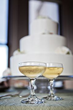 Shannon Leahy Events - San Francisco Wedding - James Leary Flood Mansion - Wedding Cake - Champagne Glasses